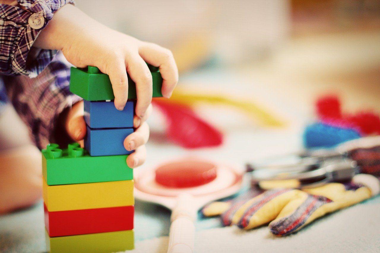 Jak przygotować niezapomniane przyjęcie urodzinowe dla dziecka?