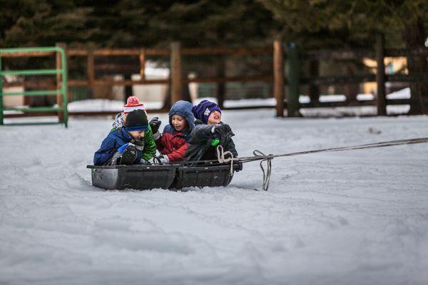 Jak zorganizować dziecku czas zimą?